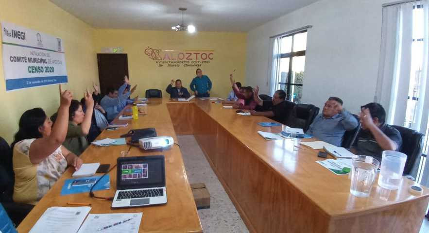 Xaloztoc ya cuenta con comité de censo 2020 lo encabeza el alcalde