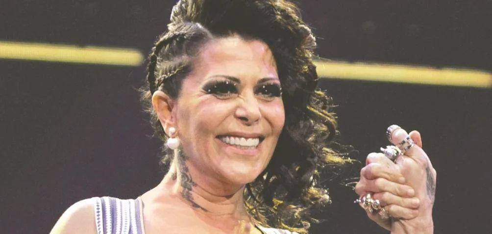 Alejandra Guzmán corre a mujer durante su concierto