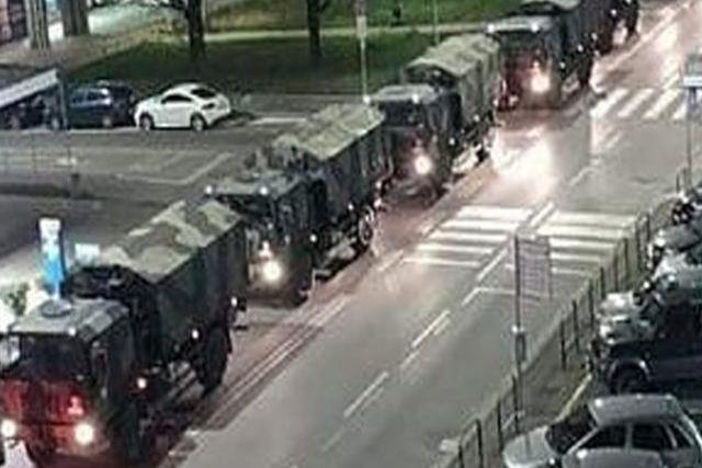 Traslada ejército italiano decenas de fallecidos para incinerar