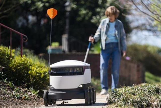Supermercado de EEUU pone a disposición robots de reparto ante contingencia