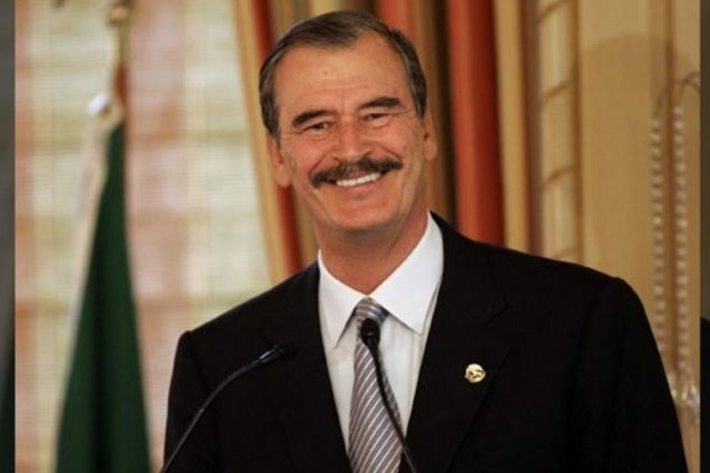 Ex-Presidente Vicente Fox cobra por cantar las mañanitas; le quitaron la pensión