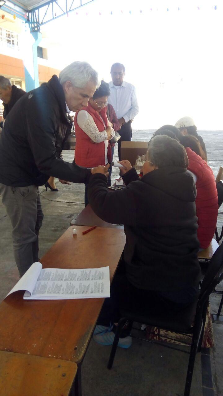 Acude Noé Rodríguez al municipio de Calpulalpan para votar