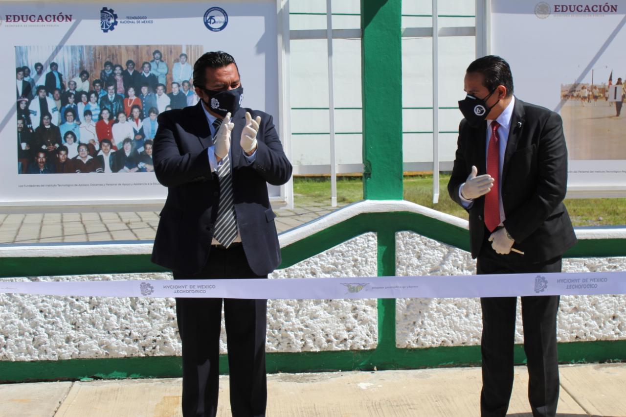 Arturo Rivera y Sergio Rosales inauguran galería del Tecnológico de Apizaco