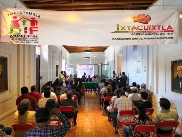 Ayuntamiento e ICATLAX signan convenio para promover 37 cursos
