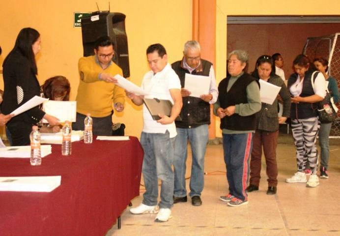 Ayuntamiento da seguridad jurídica y patrimonial a 52 familias con sus escrituras