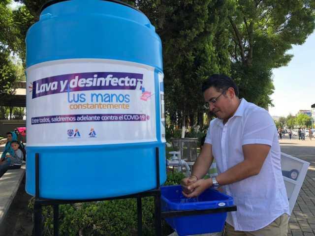 Instalan tinacos para lavado de manos en Apizaco