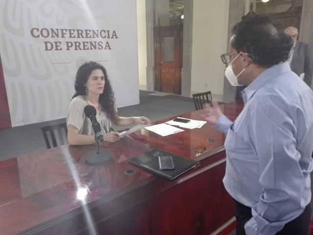Empresarios de medios piden asignación de publicidad gubernamental