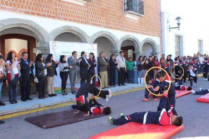 Alcalde encabezó desfile del CVII Aniversario de la Revolución Mexicana