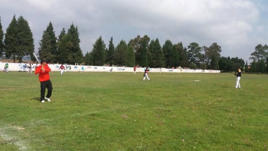 Con la práctica del deporte se restablecerá el tejido social: Refugio Rivas