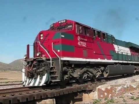 Se los lleva el tren en Tenancingo; camioneta es arrastrada