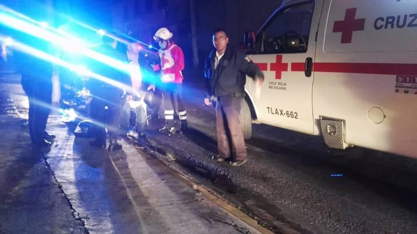 Embisten a dos motociclistas en Apetatitlán, 911 nunca respondió