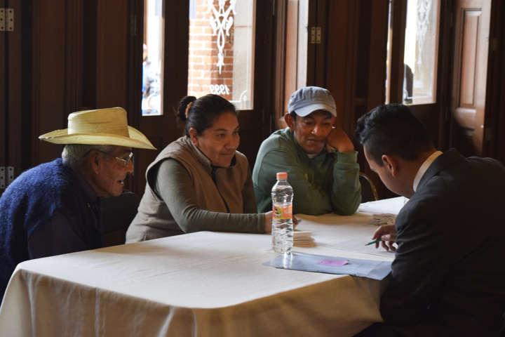 Beneficia Tlaxco a 200 familias con exitosa campaña de escrituración