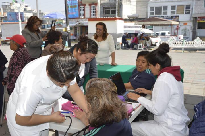 Estos servicios de salud mejoran la calidad de los pobladores: alcalde
