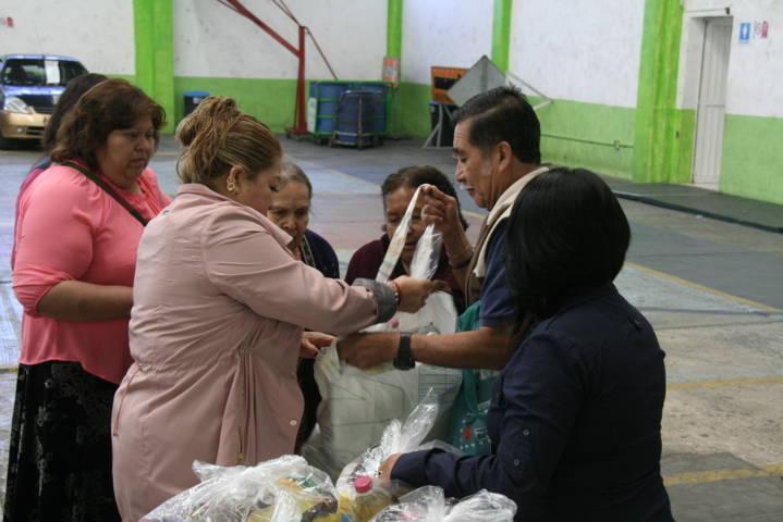 Apoyamos a grupos vulnerables con despensas: Angélica Hernández