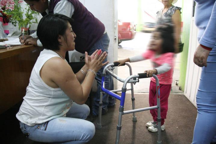 El DIF municipal apoya a discapacitados con aparatos funcionales