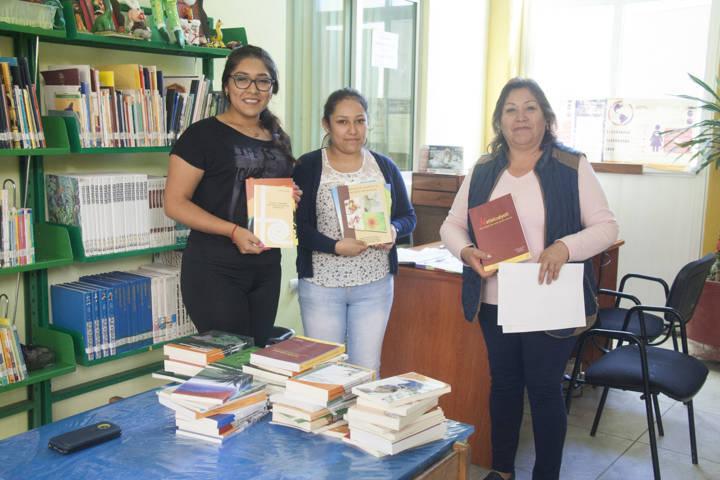 Ayuntamiento entrega acervo bibliográfico a la biblioteca José Narro Robles