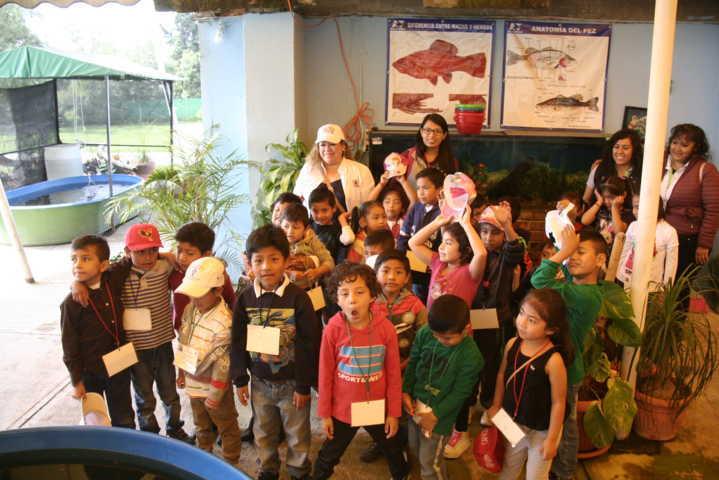Niños de Amaxac de los cursos de verano visitaron el Acuario de Tlaxcala