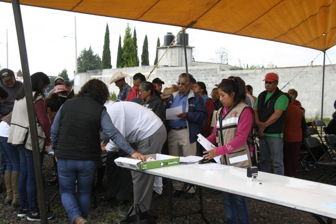 Ayuntamiento entrego más de 50 cabezas de ganado a productores