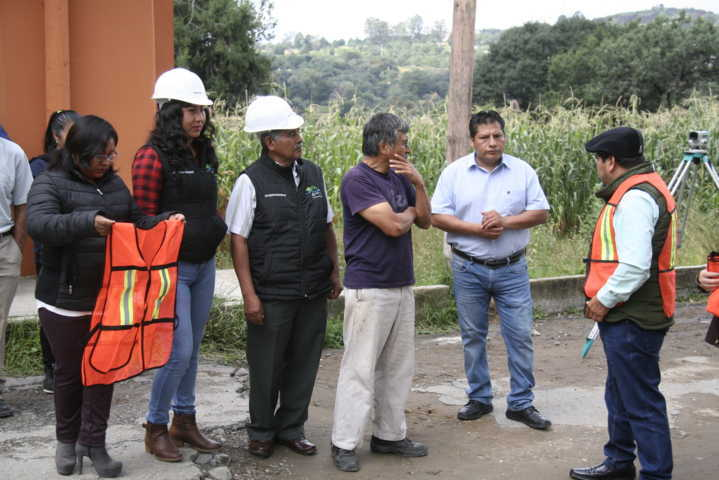 Alcalde invertirá 1.5 mdp para pavimentar la calle Palo Huérfano