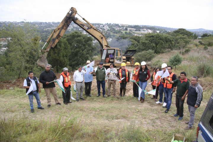 Alcalde pone en marcha nueva calle en el Cerro de Otongatepetl