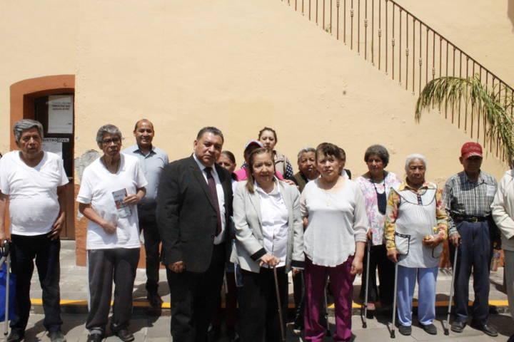 Entregan apoyos y formalizan convenio de colaboración Eloy Reyes e ITPCD