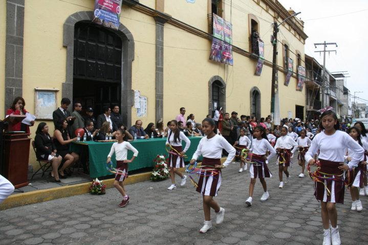 Con la coronación de Casandra I y el desfile inicio la feria Amaxac 2018