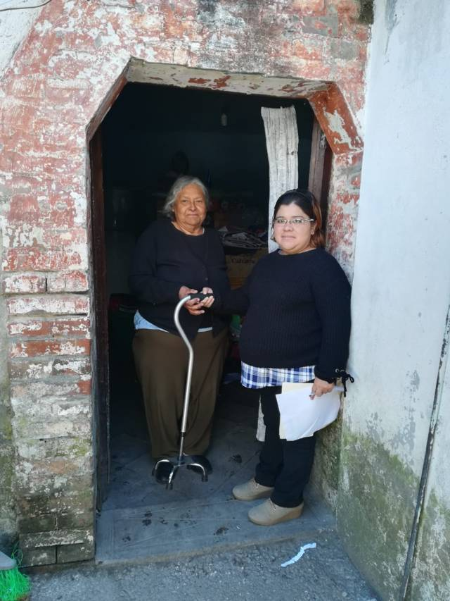 El DIF municipal entrega aparatos funcionales a personas con alguna discapacidad