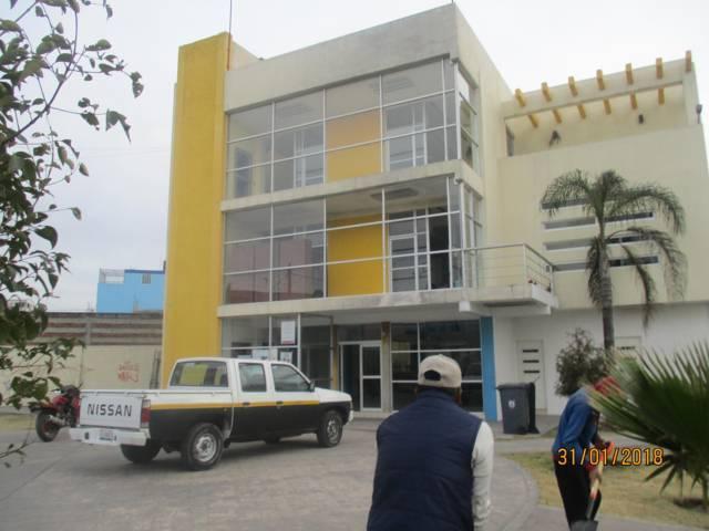 Pintan fachada de presidencia de comunidad del Cristo, San Pablo del Monte