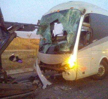 Trabajadores de Audi resultan lesionados por choque