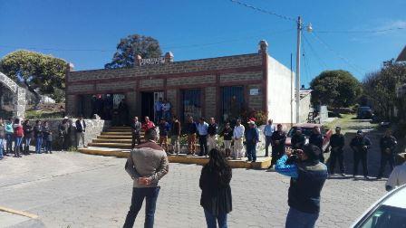Ayuntamiento de Atlangatepec adquiere unidad nueva para ambulancia