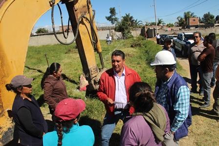 Con obras se busca abatir el rezago en Michac: Murias