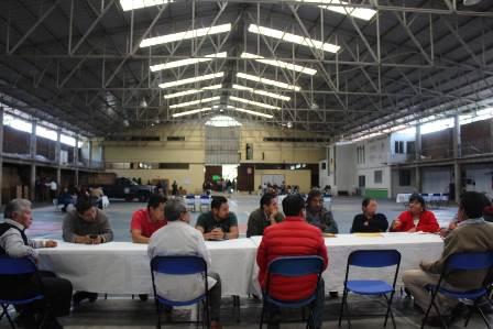 Invitan a panaderos de Huactzinco adquirir leña legal para sus hornos