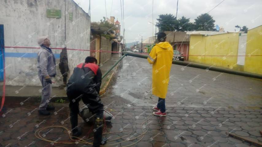 Tromba provoca inundación en viviendas de Xaloztoc