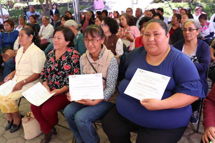 Entrega SEFOA reconocimientos a productoras de conservas de Xicohtzinco