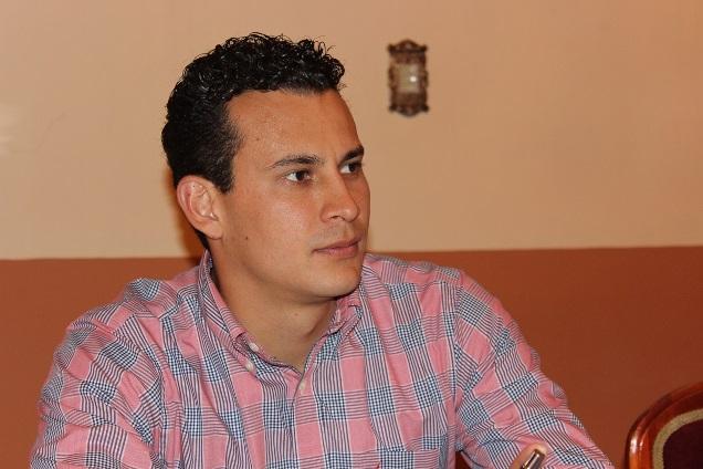 Deja Ernesto Azaín Ávalos la secretaría del ayuntamiento de Apetatitlán