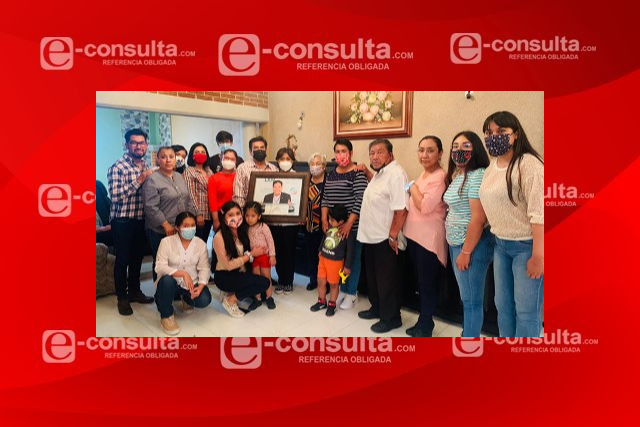 Anabell Ávalos se reúne con la familia del morenista Joel Molina