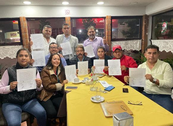 Diez candidatos a la alcaldía de Apizaco desconocen triunfo de Pablo Badillo