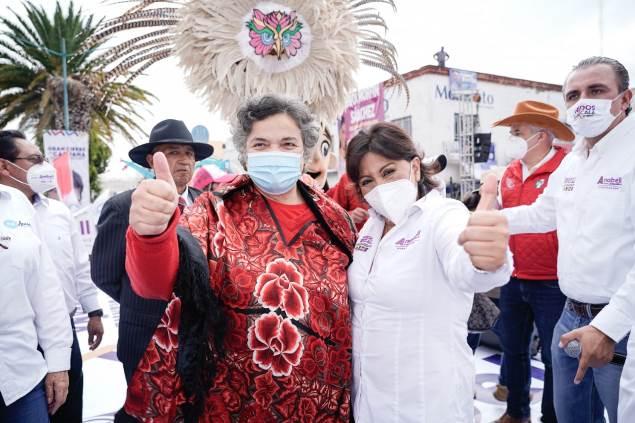 Beatriz Paredes respalda a Anabell y la ve como próxima gobernadora