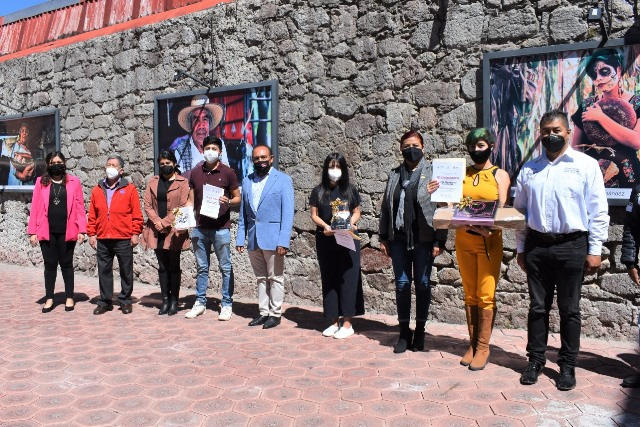 Otorgan premio a ganadores de concurso de fotografía en Zacatelco
