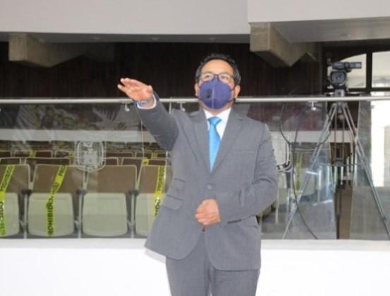 Rinde protesta Juna Carlos Cruz como integrante del SAET