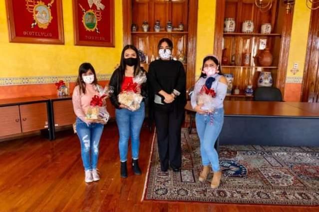 Estudiante del COBAT-TBC participa en concurso virtual sobre tradiciones y turismo