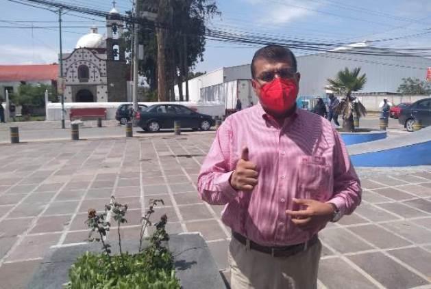 Ramírez Conde vota y pide a los apizaquenses salir a sufragar