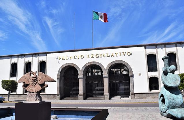 Víctor Manuel Cid quiere reelegirse en la CEDH, pero enfrentará a 19 prospectos
