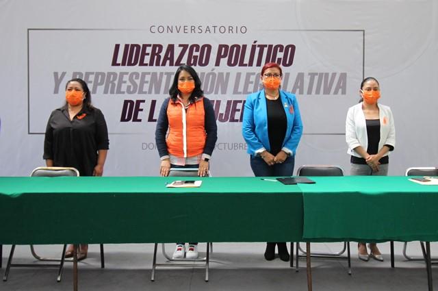 Desarrolla conversatorio para impulsar la participación de mujer en política