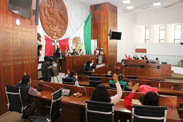 Diputados obedecen órdenes y regresan al Congreso toma de protesta de Lorena