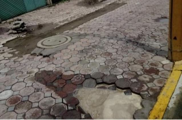 Calles de Tenancingo con fugas de agua; edil sin intenciones de atenderlas