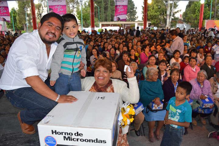 Todo un éxito la celebración del día de la madre en Panotla y sus comunidades