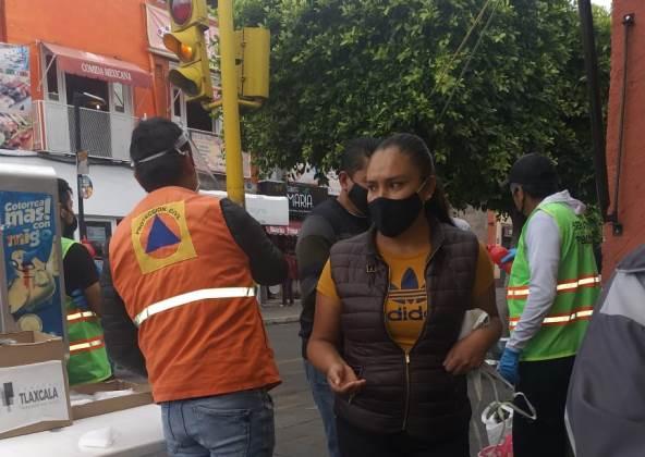 Continúan filtros sanitarios en Tianguis Sabatino de la Capital