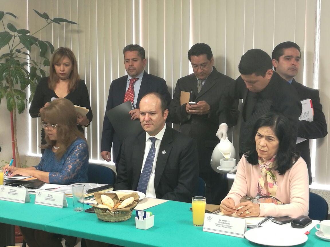 Coincide Juan Corral en reformar la Constitución en materia de justicia laboral