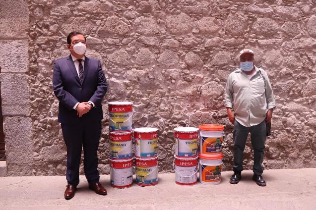 En Huamantla no se detiene la entrega de apoyos a vecinos
